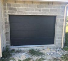 Porte garage posée