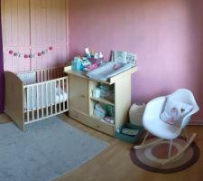 Chambre provisoire pour la petite derniere le temps des travaux dans la maison.