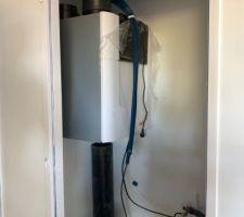VMC double-flux thermodynamique + résistance de chauffage intégrée dans le groupe.  zehnder comfoair 350