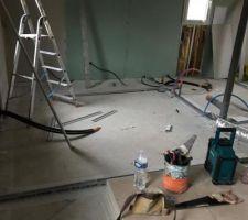 Photo de notre future chambre qui semble microscopique 10m2 seulement mais bon..