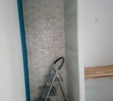 Faience douche de la salle de bains des enfants