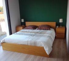 Premiers meubles montés : notre lit et nos tables de chevet !