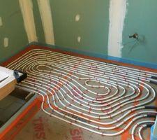 Pose du plancher chauffant salle de bain parentale