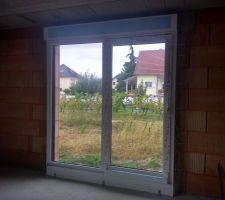 Baie vitrée salle à manger vue intérieure