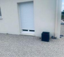 Livraison des bacs pour la terrasse et du terreau...