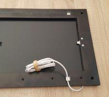 Le côté pile avec le connecteur Usbc et le câble USB