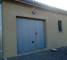 Spot porte garage