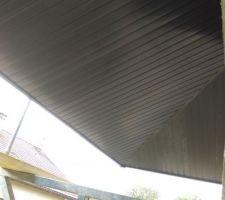 Sous-face en lambris PVC RAL7016