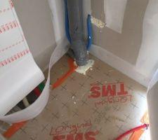 Le CDT a fait boucher l'endroit ou l'isolant manquait et boucher les espaces et fait posé l'adhesif sur les joints