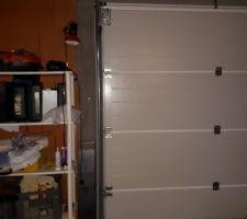 Intérieur du garage, porte du garage