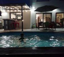 La piscine en soirée