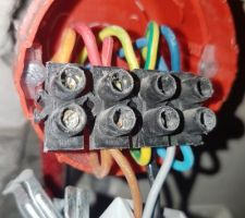 Branchements avec sortie de câble appropriée