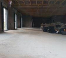 Vue intérieure depuis la baie à galandage du salon