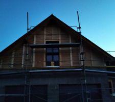 Bardage bois façade Nord : sapin du nord et mélèze.