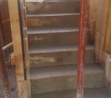 Escaliers intérieur: coulage du béton