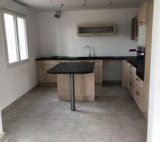 Voici notre cuisine avec le carrelage posé par maison chenes