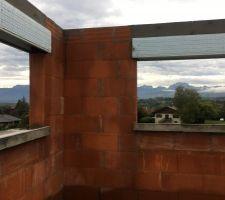 Vue de la chambre d'amis (étage) depuis emplacement futur lit! Double ouverture-double vue :-)