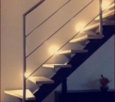 Escalier métal bois avec poutre reconstituée et rambarde en intox brossée
