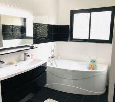 Salle de bain de l?étage terminée