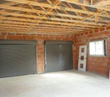 Les 2 portes du garage