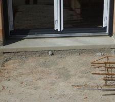 Jonction dalle rdc/terrasse avec l'appui de la porte-fenêtre