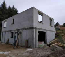 L'élevation des murs est quasi fini !