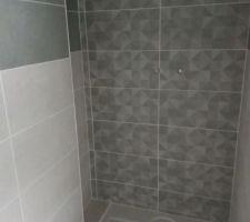 Faïence douche étage avec niche