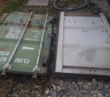 Portes de container découpées