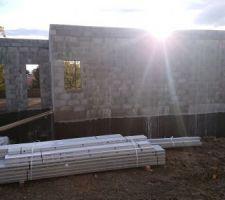 Maison de Coroebus au soleil couchant