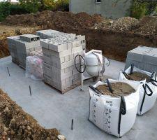 Matériaux pour l'élévation des murs de la piscine