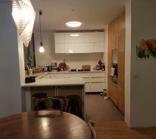 La cuisine avec les portes