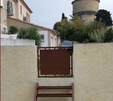 Pose portillon assorti au portail + pose escalier métal peint de la mm couleur