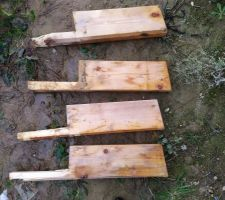 Les fameuses pannes que le charpentier s'est permis de recouper pour qu'elles rentrent dans le mur !
