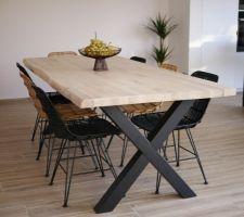 Table à manger, plateau en chêne