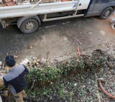 Début des travaux de maçonnerie,démolition du muret et piliers