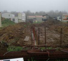 Chantier jour 1: Terrassement et fondations coulées.