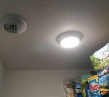 Hublot LED avec détecteur de présence intégré