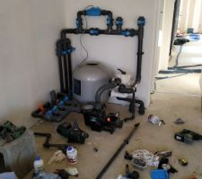 Installation de la machinerie de la piscine