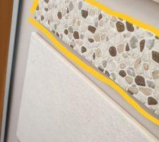 Listel décoratif  pour le bati  wc du bas. Ils seront posés au dessus du bâti WC. Le carrelage  du bati sera couleur  Activ caramel. Jai mis une photo. Cest un carrelage effet pierre beige.