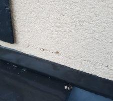 Fissure jonction toit plat