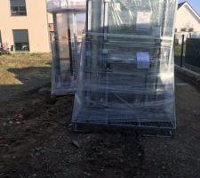 Les fenêtres ont été livrées cette semaine la pose prévue lundi!!!