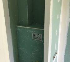 Wc suspendu salle de bain étage