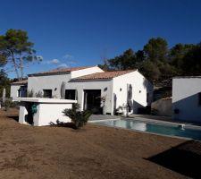 Amenagement de l'espace piscine et terrasse