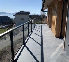 Balcon terrasse devant les chambres de l?étage.