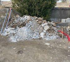 Nettoyage 5 - Environ 2 à 3 m3 de déchets en tout genre à évacuer