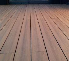 Terrasse - perspective sur les lames Neowood