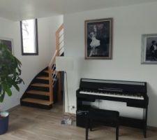 Escalier bois et noir