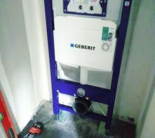 Installation du bati-support WC suspendu