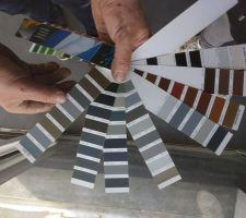 Il nous faut choisir la couleur de peinture (ou technique vernis) de la partie métallique de l'escalier.