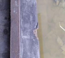 Seuil cassé après décoffrage des maçons... je le découvre en me rendant au chantier de ma construction après le travail. J'ai demandé au constructeur de le refaire entièrement puisque le béton était encore frais. Qu'en pensez-vous?